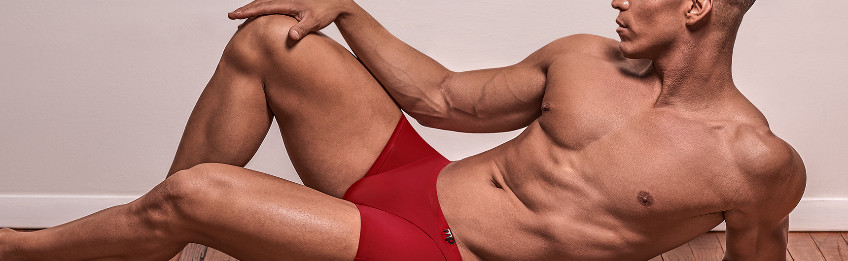 sexy male model in mens sexy red boxer briefs